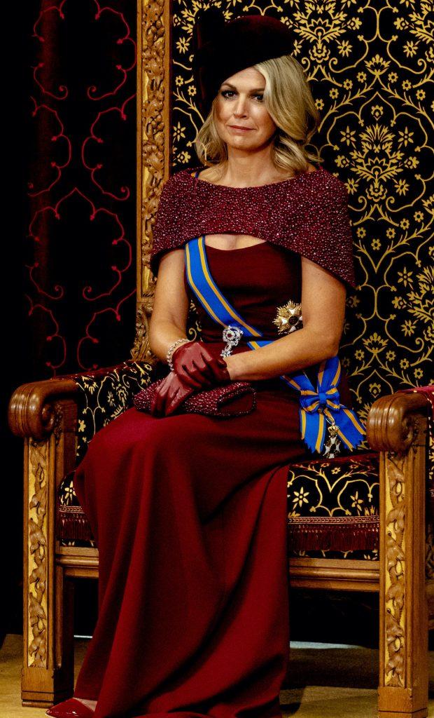 DEN HAAG - Koning Willem-Alexander leest, met aan zijn zijde koningin Maxima, de troonrede voor op Prinsjesdag aan leden van de Eerste en Tweede Kamer in de Ridderzaal. ANP ROYAL IMAGES SANDER KONING
