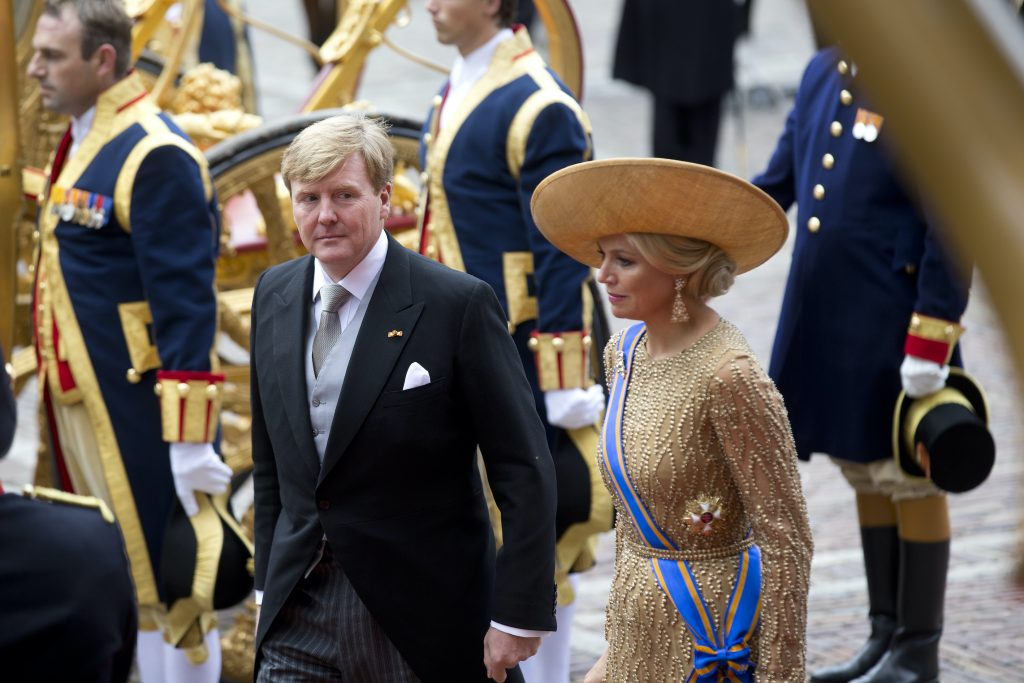 DEN HAAG - Koning Willem-Alexander en koningin Maxima komen aan bij de Ridderzaal. ANP ROYAL IMAGES EVERT-JAN DANIELS