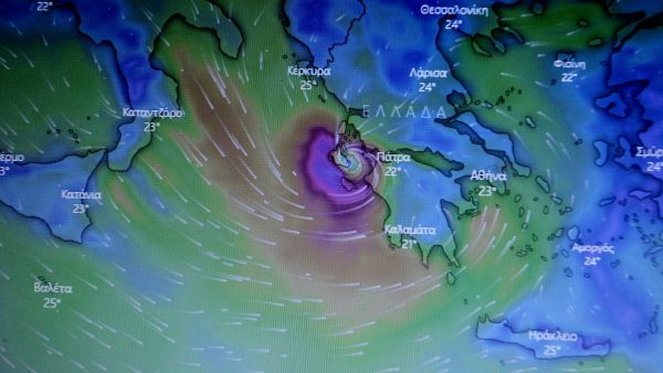 Mediterraanse orkaan Ianos treft nu Griekse eilanden én land