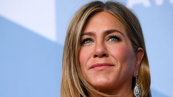 Iedereen wil de peperdure 'Emmy Awards-pyjama' van Jennifer Aniston hebben