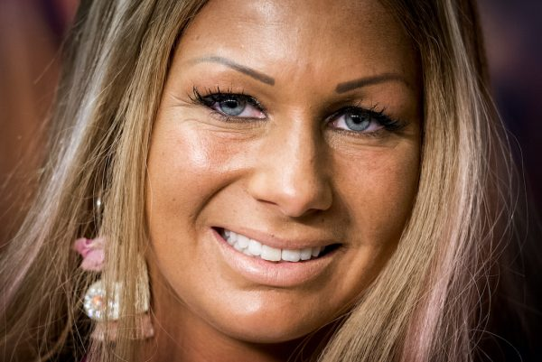 Samantha de Jong Barbie ten huwelijk gevraagd