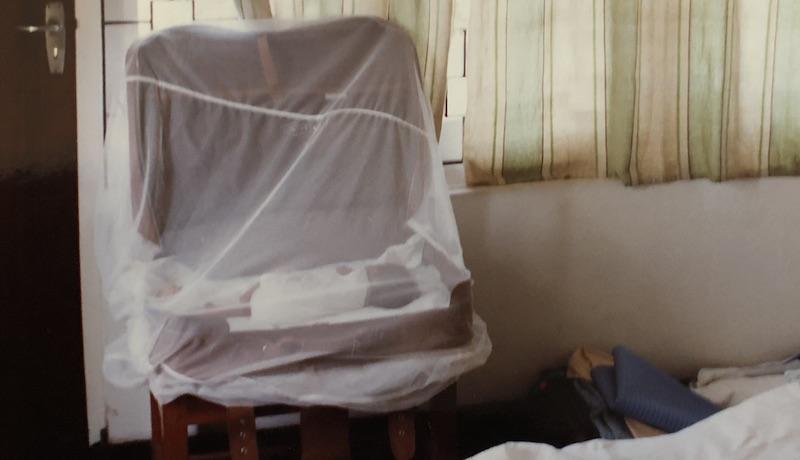 Dilani Butink bij adoptie in koffer