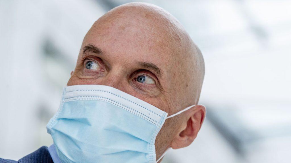 Nieuwe coronamaatregelen en opnieuw een besmettingsrecord ...