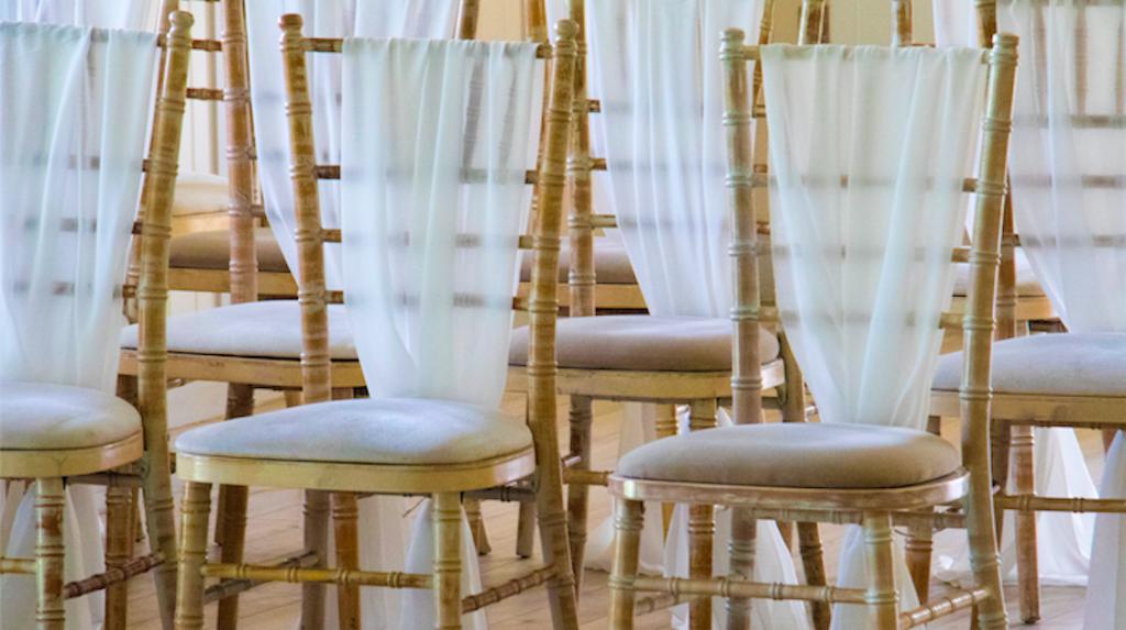 Trouwambtenaar Nora: 'Ik moest de ouders van het bruidspaar echt uit elkaar trekken'