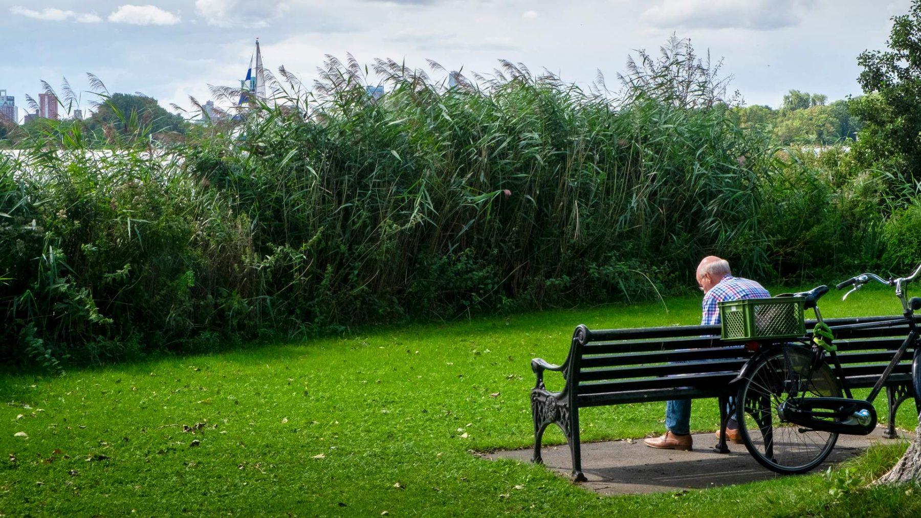 Ouderenbond vreest toename eenzaamheid ouderen door aangescherpte coronamaatregelen