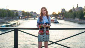 Thumbnail voor Oh crêpe, Parijzenaren geen fan van serie 'Emily in Paris'
