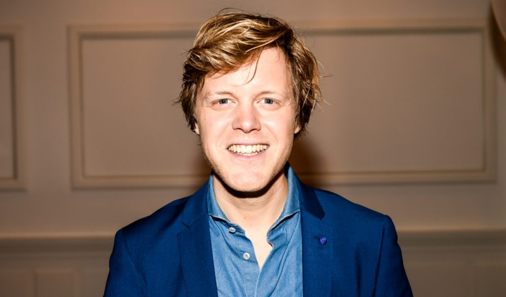 Lex Uiting is de 'nieuwe' RTL Boulevard-presentator in het weekend