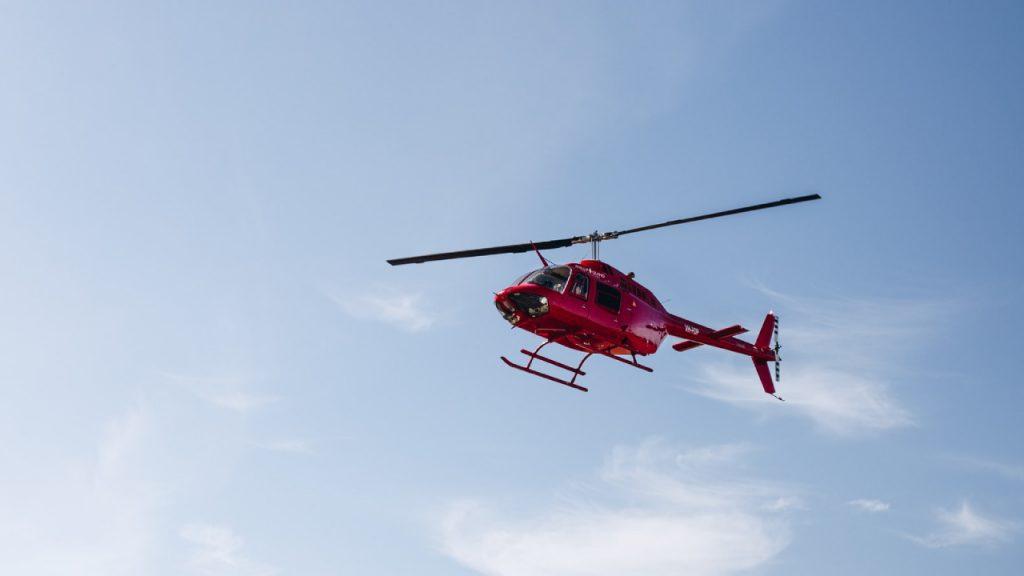 Vrouw bevalt tijdens acht minuten durende helikoptervlucht: 'Bijzonder'