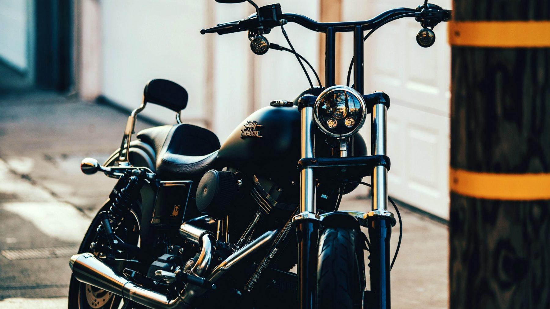 Deze restauranthouder verkoopt zijn Harley Davidson, zodat hij zijn medewerkers kan betalen