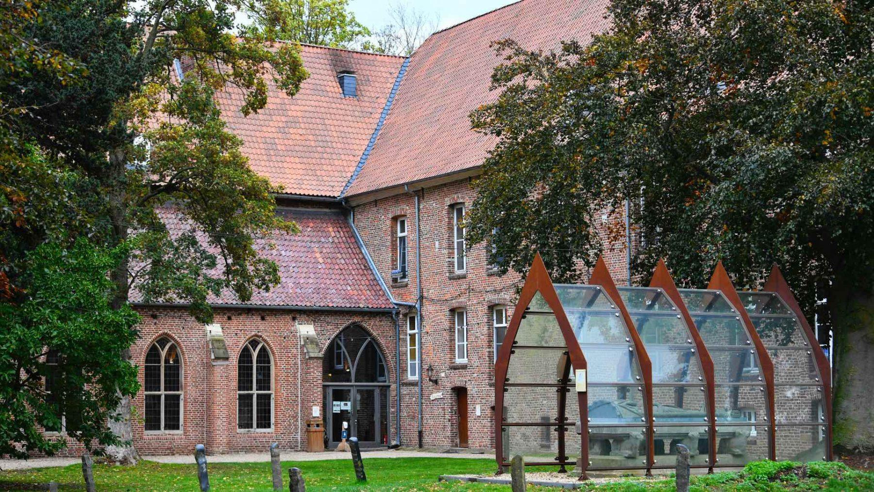 Nederlandse sekteleider opgepakt vanwege seksueel misbruik van kinderen en verkrachting