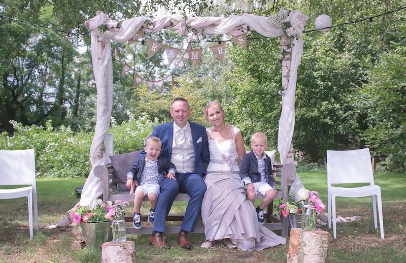 Het gezin op hun huwelijk