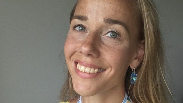 Juliëtte (40) is met 28 weken geboren_ Mijn moeder hield me pas na 3,5 maand vast