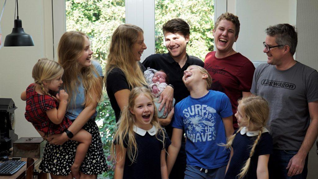 Annemarie Geerts (44) baarde acht kinderen: 'De moedermaffia wist mij te vinden'