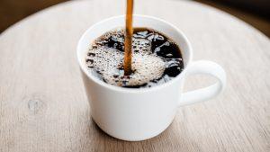Politie beukt verkeerde deur open, 'dan maar een kopje koffie'
