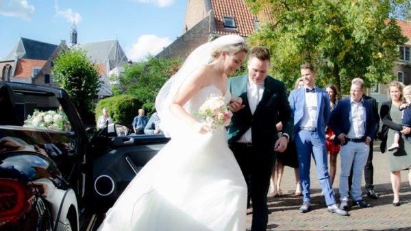 Carmen trouwde met gebroken voet: 'Ik eiste als een Bridezilla dat het gips weg moest'