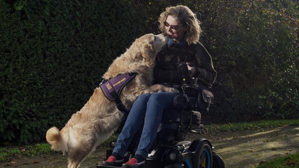 Sandra (48) over assistentiehond Babbe: 'Ze opende mijn wereld weer'
