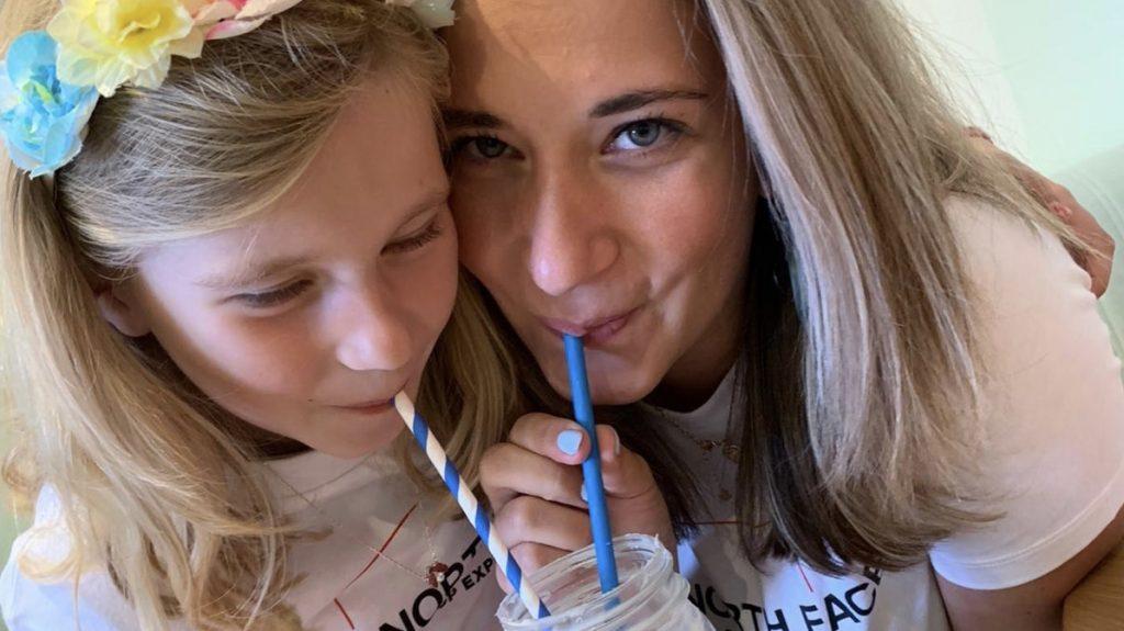 Kathelijne en Evy zeven jaar na plotselinge bevalling