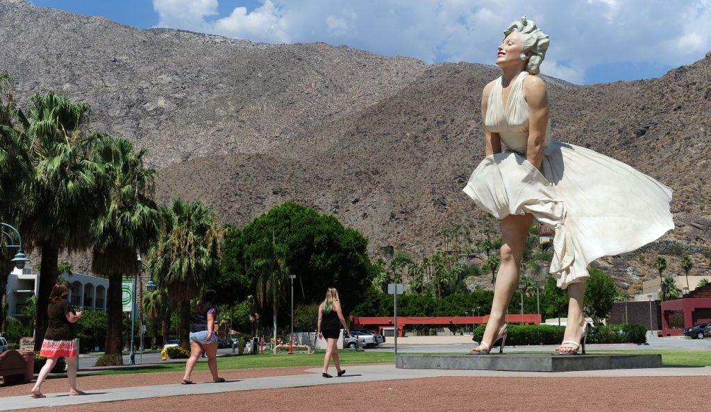 Gedoe in Palm Springs om pikant beeld van Marilyn Monroe