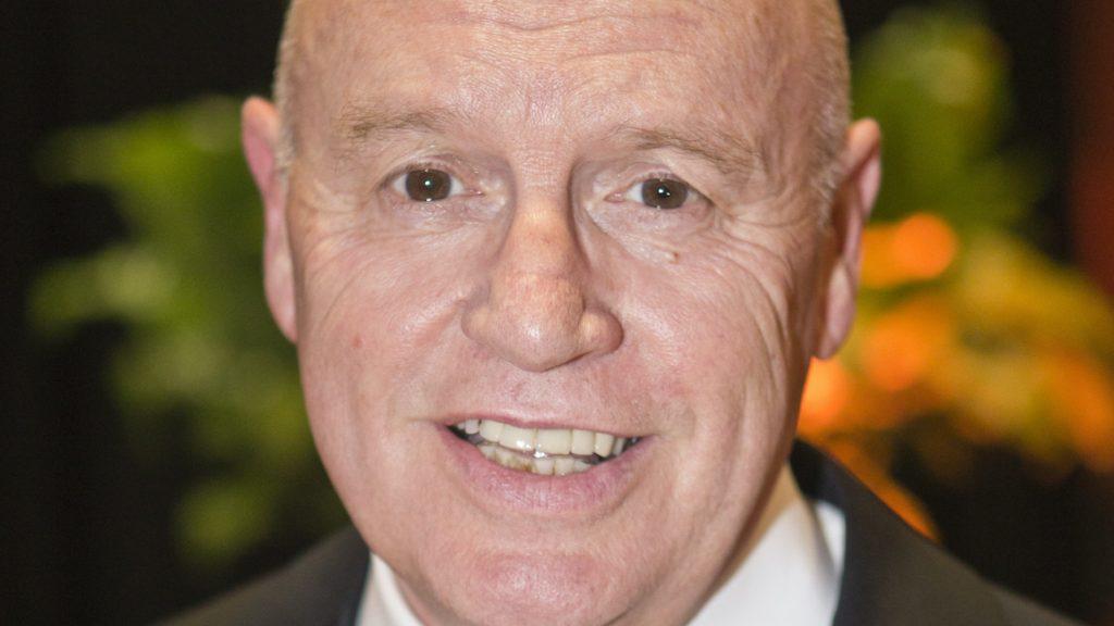 Turncommentator Hans van Zetten stopt per direct bij 'NOS Sport'