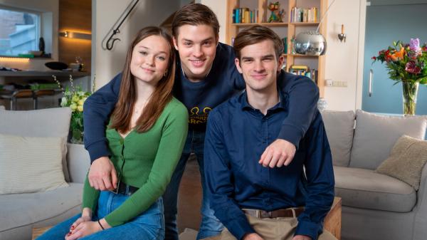 Vader met corona op de IC, moeder opgenomen: Thomas, Lucas & Emma waren wekenlang alleen