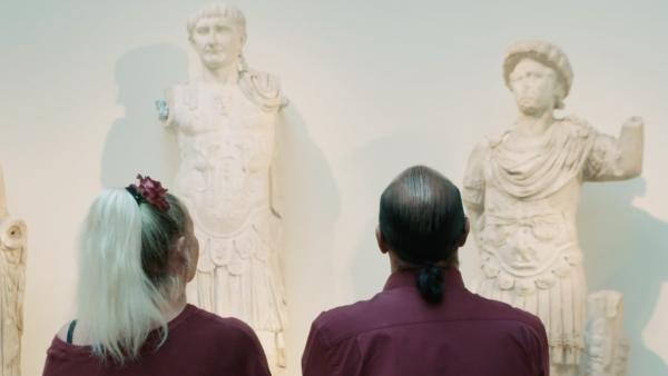 Cultuursnuivers in Rijksmuseum van oudheden