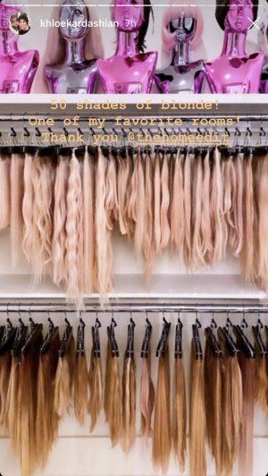 In januari demonstreerde Khloe Kardashian een speciale kamer voor haar haarstukken