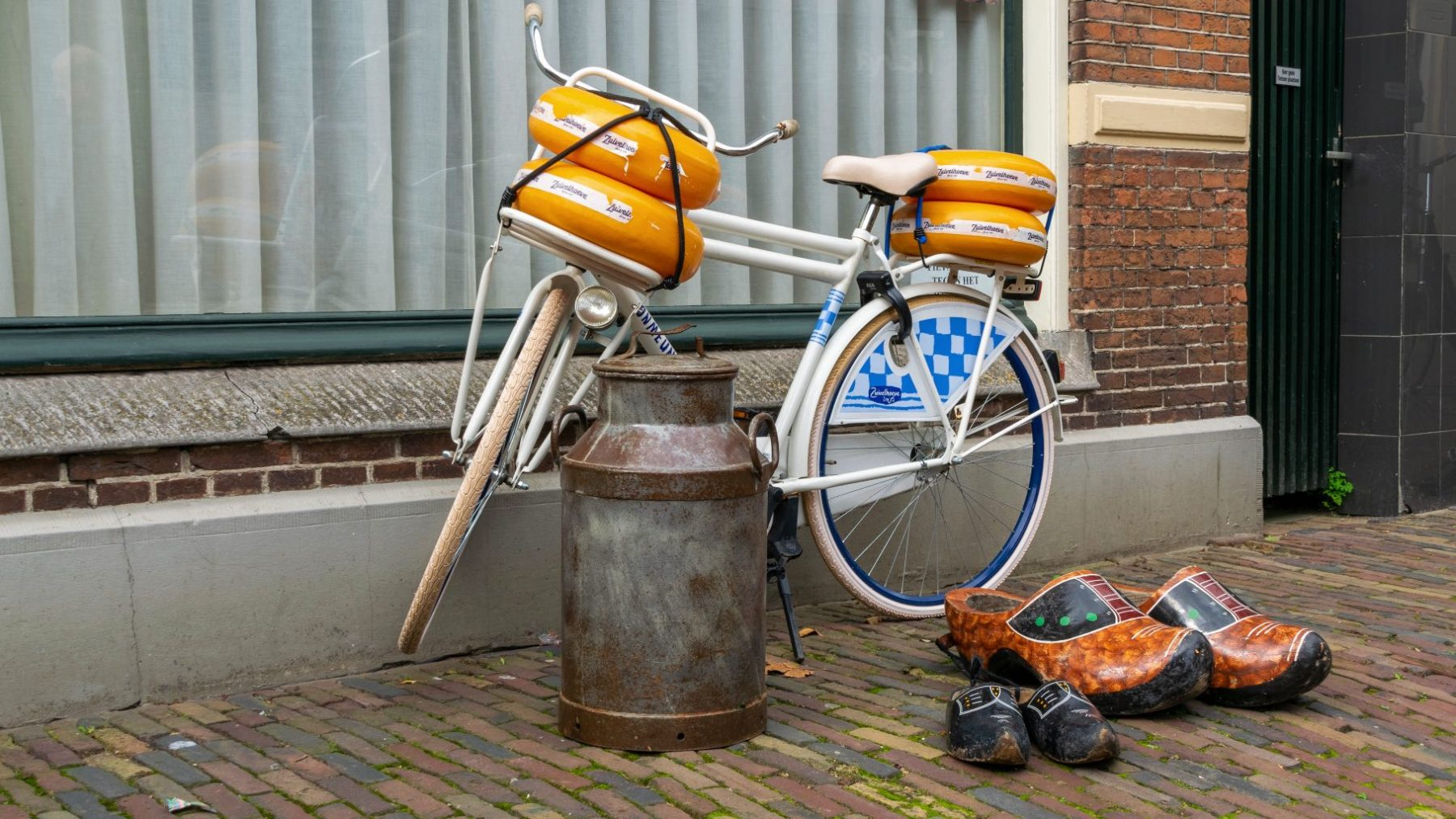 Boer bestolen van 300 kazen, maar heeft geluk: kaasdieven maakten grote denkfout
