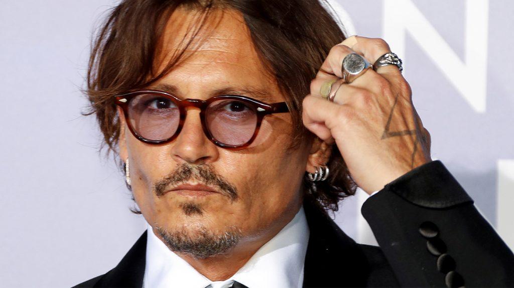 Acteur Johnny Depp blijft gezicht parfumlijn Dior ondanks klachten