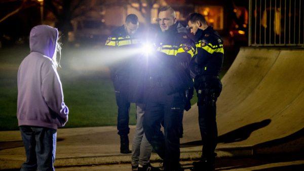 Weer een onrustige avond op Urk: ME grijpt in en tien mensen aangehouden