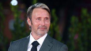 Thumbnail voor Mads Mikkelsen over vervanging Johnny Depp in 'Fantastic Beasts 3': 'Het was een shock'