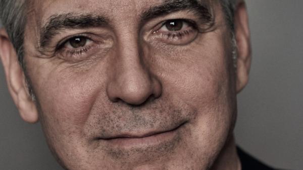 Sterren en aandacht: Clooney tovert 'haarstofzuiger' tevoorschijn bij Kimmel