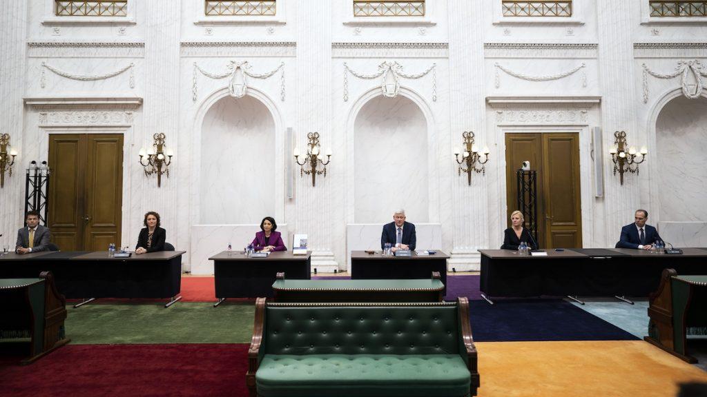 Rapport over toeslagenaffaire: 'Beginselen van de rechtsstaat zijn geschonden'