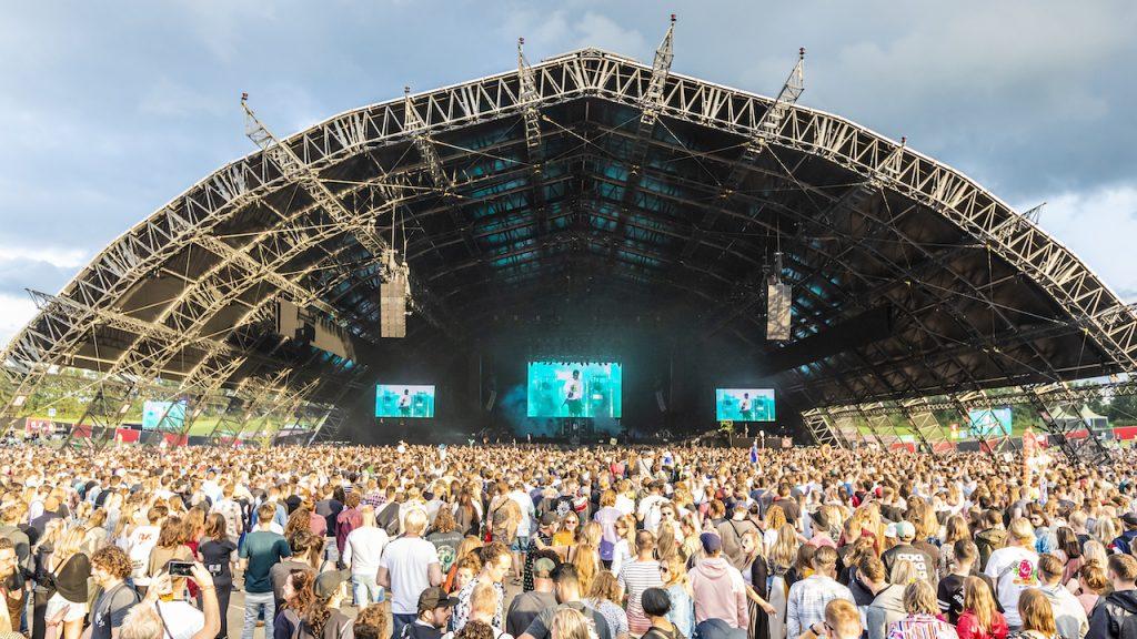 Lowlandsbaas Eric van Eerdenburg: 'Festivalbranche is enorm kaartenhuis dat instort'