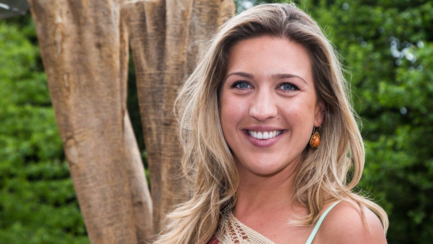 'Echte Gooische Moeder' Bo Wilkes zet villa in Laren te koop