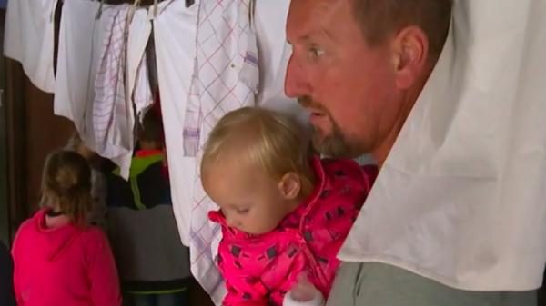Kijkers bewonderen het vaderschap van vader Johan in 'Een huis vol'