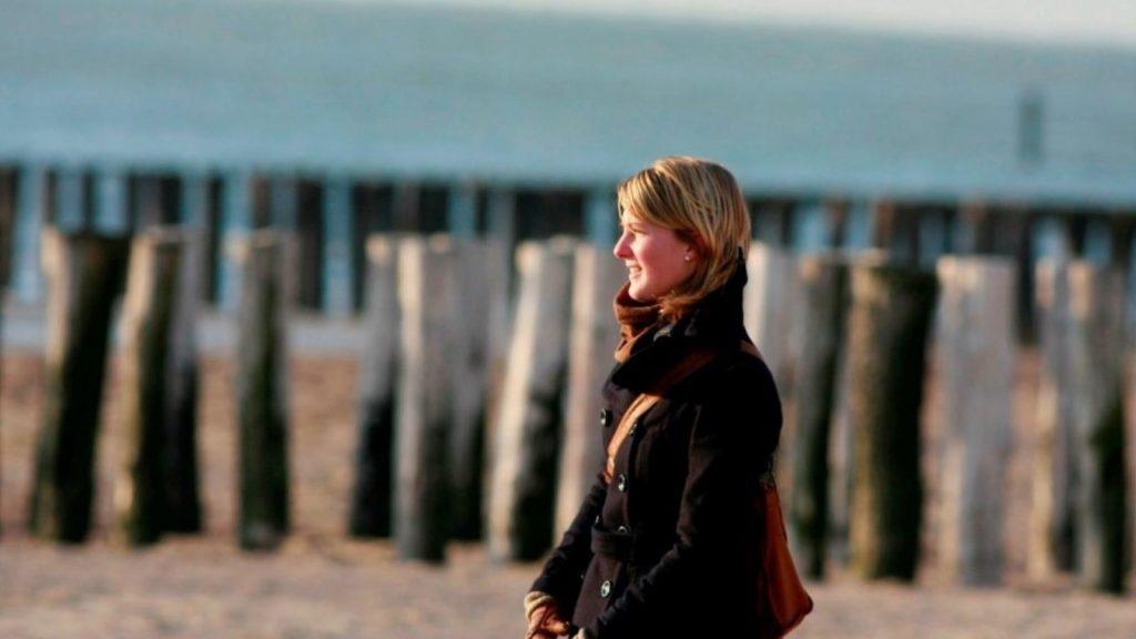 Daphne herdenkt Sanne: 'Het leven is fantastisch, maar het kan zo over zijn'
