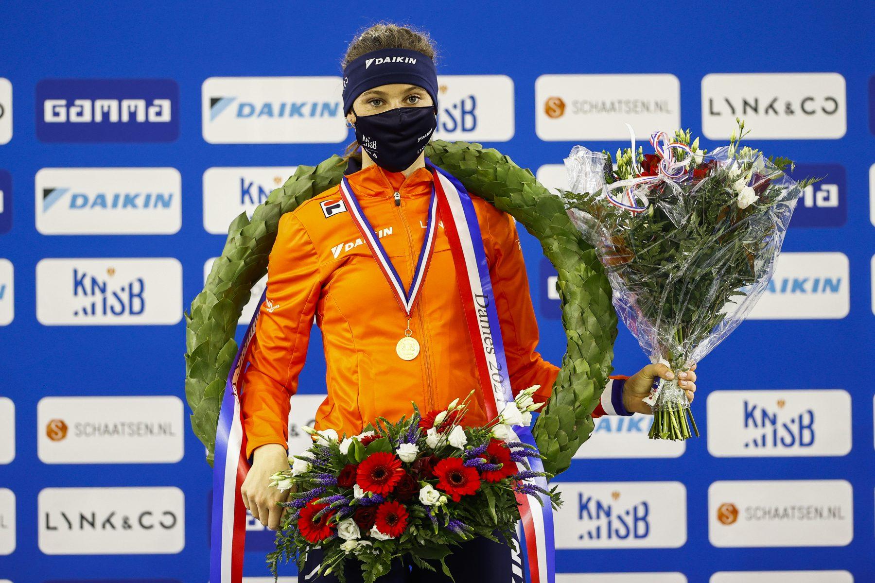 Shorttrackster Suzanne Schulting (23) wint in Thialf álle afstanden