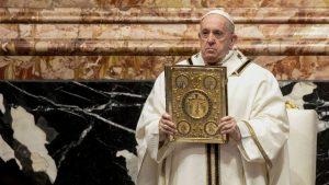 Thumbnail voor Paus laat vrouwen meer rollen vervullen tijdens de mis