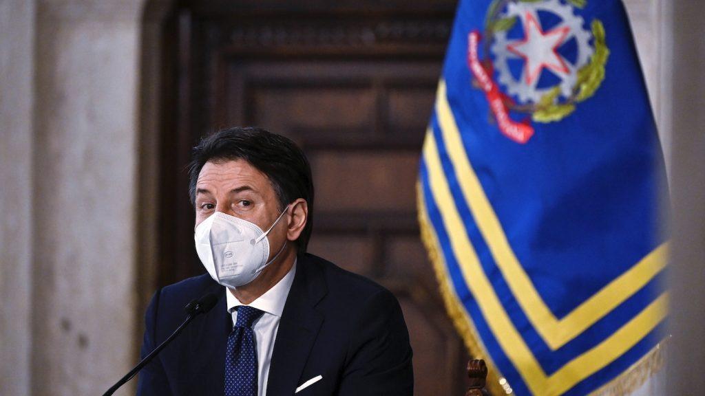 dubbele crisis Italië coalitiepartij stapt uit regering