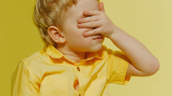 Psycholoog over extreme verlegenheid bij kinderen- 'Creëer een veilige haven'