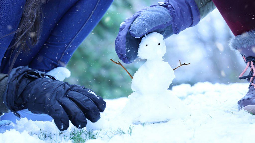 11 x jullie sneeuwpop tijdens de korte 'vlokdown'_