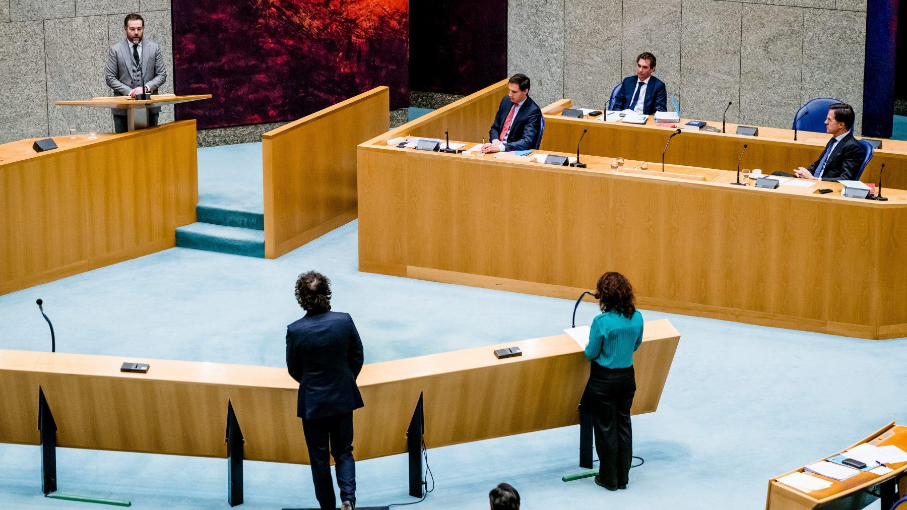 Dijkhoff maakt excuses aan de toeslagenouders namens de VVD