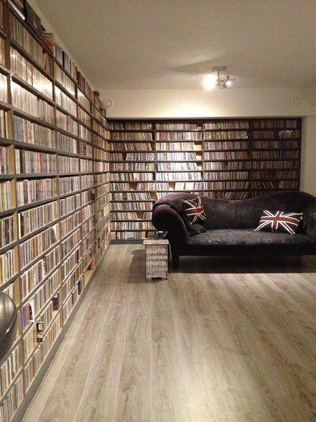 Gerard Ekdom legt uit waarom we zo moeilijk afstand kunnen doen van onze cd's