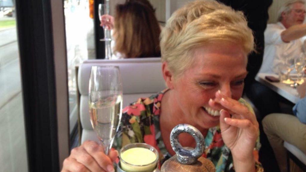 Bo herdenkt haar moeder Ellen: 'Mocht ik ooit een kind krijgen, zal zij die nooit kennen'
