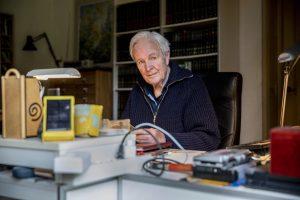 Thumbnail voor Jan Terlouw stopt met schrijven van kinderboeken: 'Ik ken de kinderen van nu niet meer'