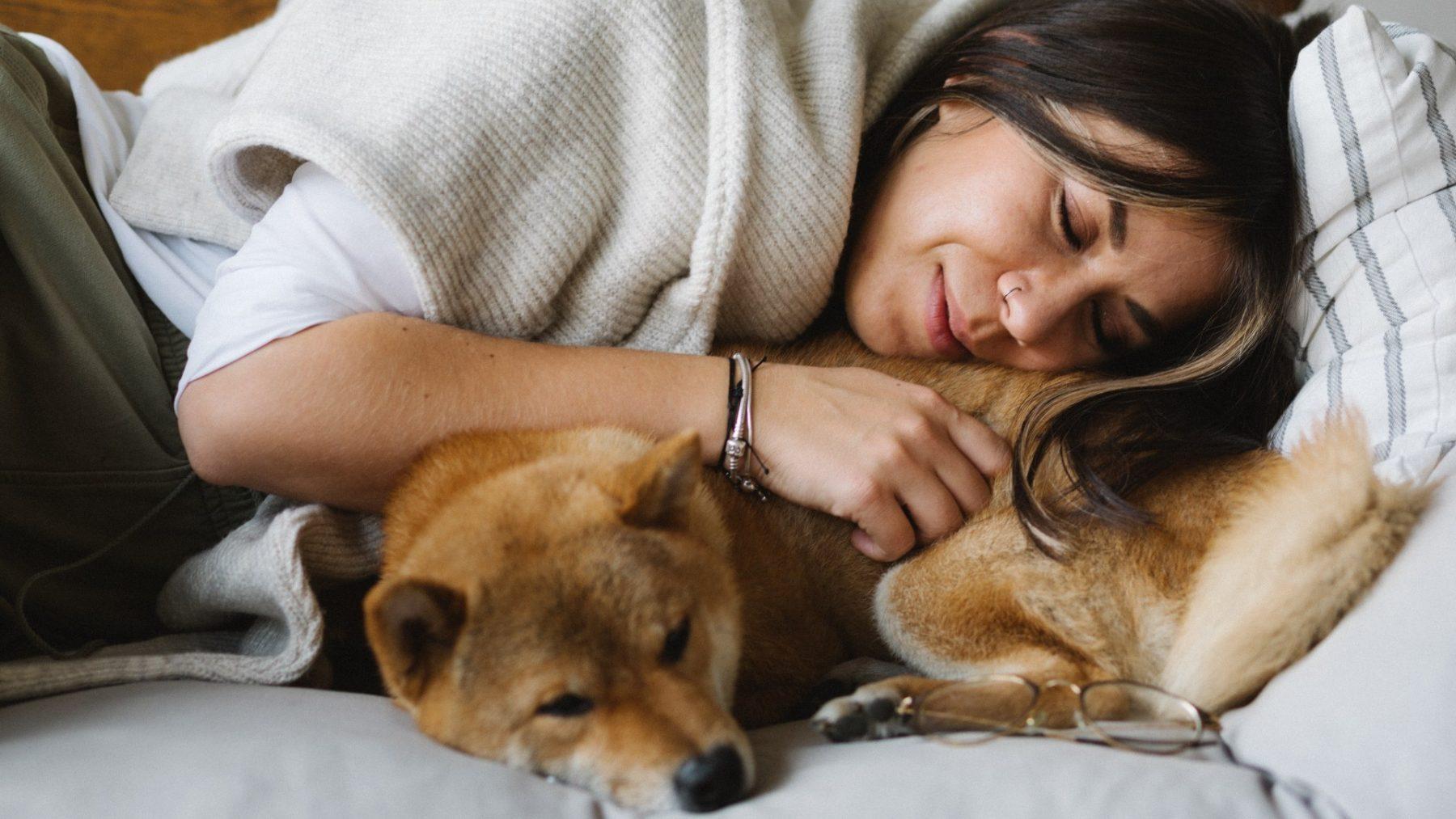 Waarom de kans op slaapwandelen groter is door de coronacrisis