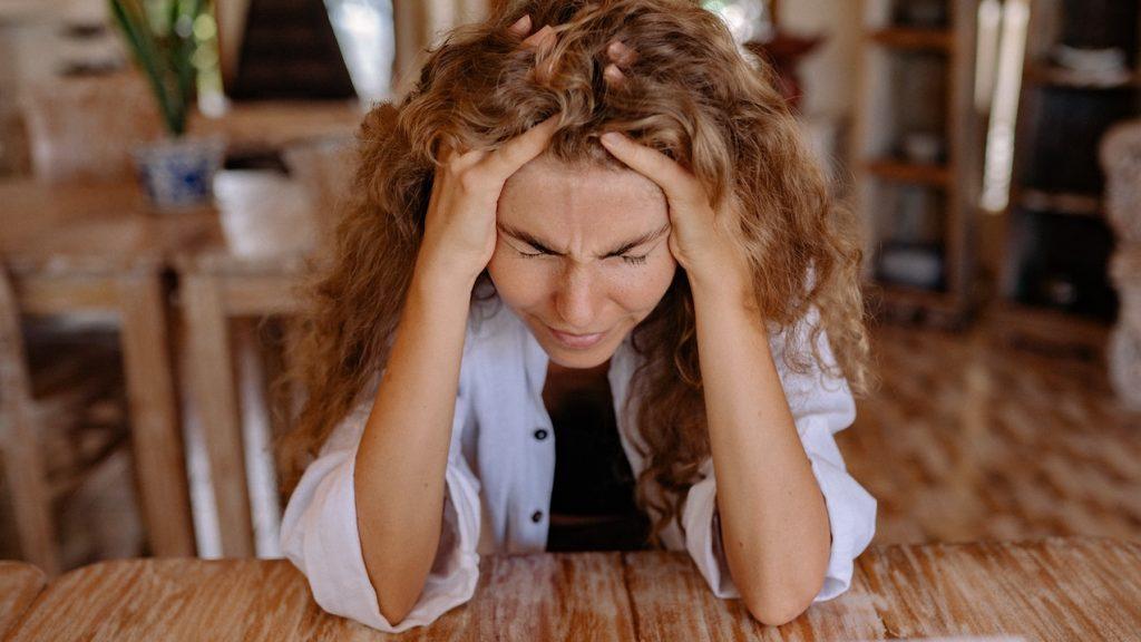 oorsuizen kan tot wanhoop drijven jongeren meer aandacht