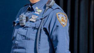 Thumbnail voor Amerikaanse agenten geschorst na gebruik pepperspray bij 9-jarig meisje