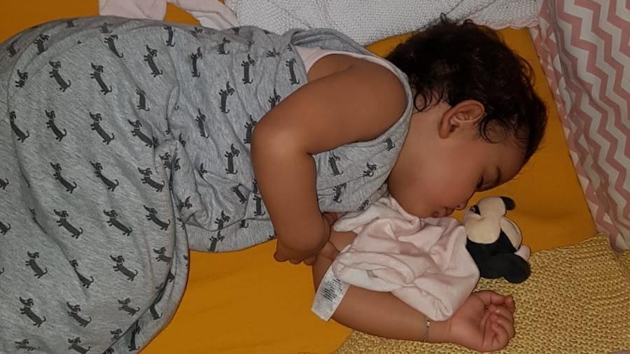 baby doorslapen wakker