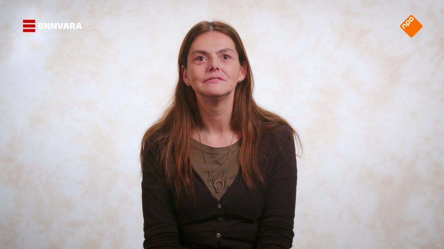 Dakloze Soraya: 'Als ik niks te eten heb, moet ik wel bedelen'